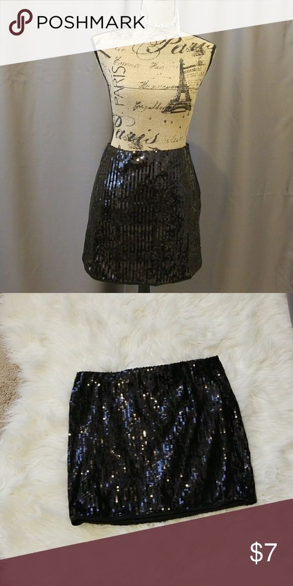 Black sequin skirt Sparkly sequin skirt Size large Xhilaration Skirts Mini