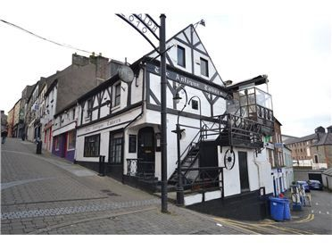 This tiny little pub in Enniscorthy was one of our favourites.