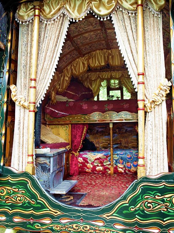 Vardo interior gypsies pinterest for Gypsy designs interior decorating
