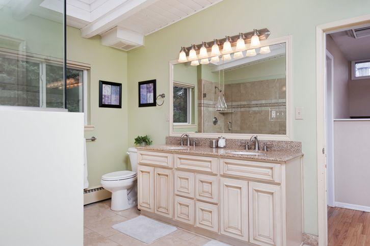 Master bathroom in the Lakewood mid mod. #liveurbandenver #denvervibe
