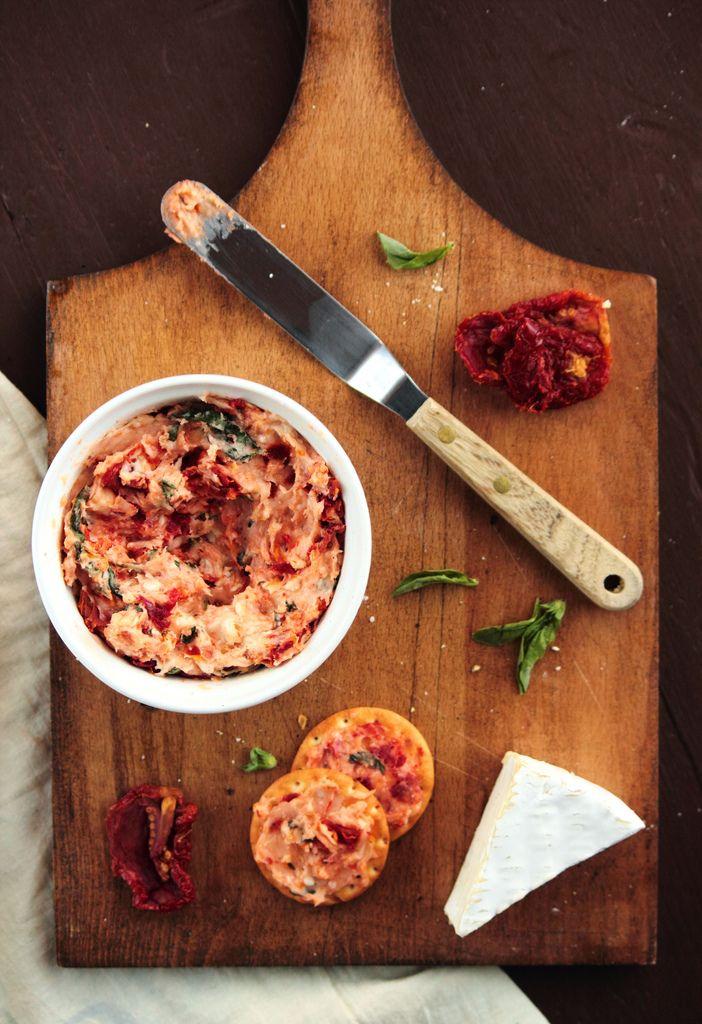 Sun Dried Tomato, Basil, & BrieSpread: Fun Recipes, Tomato Basil, Sun Dried Tomatoes, Basil Brie, Food, Brie Spread