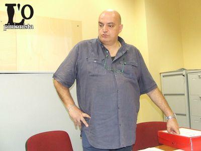 Atto presentato in Comune in mattinata CHIETI – A seguito del sisma del 6 aprile 2009, la Regione Abruzzo, in attuazione della Legge 24 giugno 2009 n. 77, ha intrapreso un programma pluriennale di attività di prevenzione del rischio sismico. Tra le attività promosse e finanziate dalla Regione rientrano gli Studi di Microzonazione Sismica di