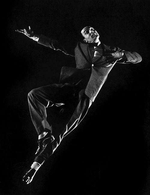 I need to watch a few Gene Kelly movies with my daughter. A fabulous dancer and a great era.