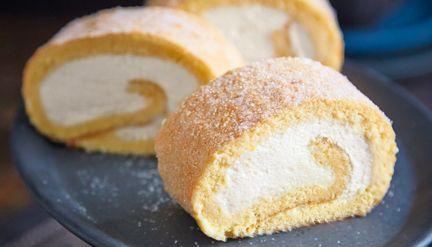 Biskuitroulade mit Zitronensahne