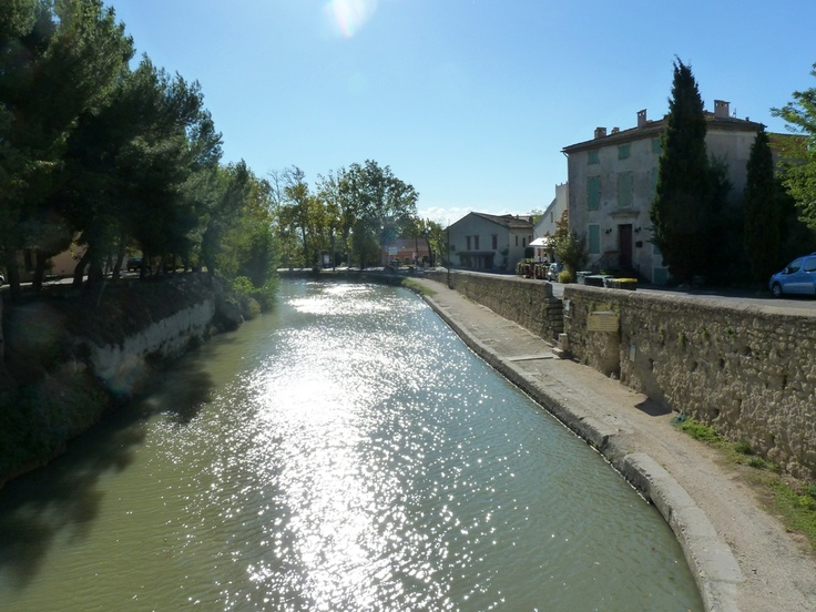 The pretty village of Poilhes and The Canal du Midi #Languedoc