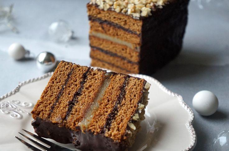Piernik staropolski dojrzewający to duże ułatwienie dla domowych gospodyń. Łatwe do przygotowania ciasto miesza się dużo wcześniej przed świętami.