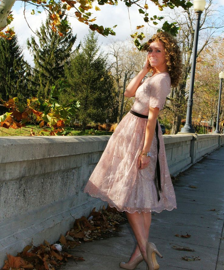 lace overlay dress inspiration - with yellow lace in stash.  Gotta find me a pattern!