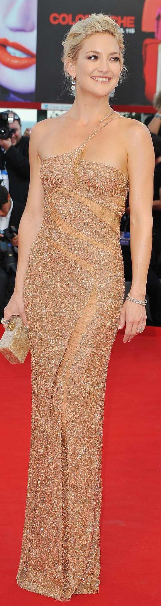 ~ ♥ ~  THE  GOWN  BOUTIQUE  ~ ♥ ~    Kate Hudson * Red Carpet                                                                                                                                                     More