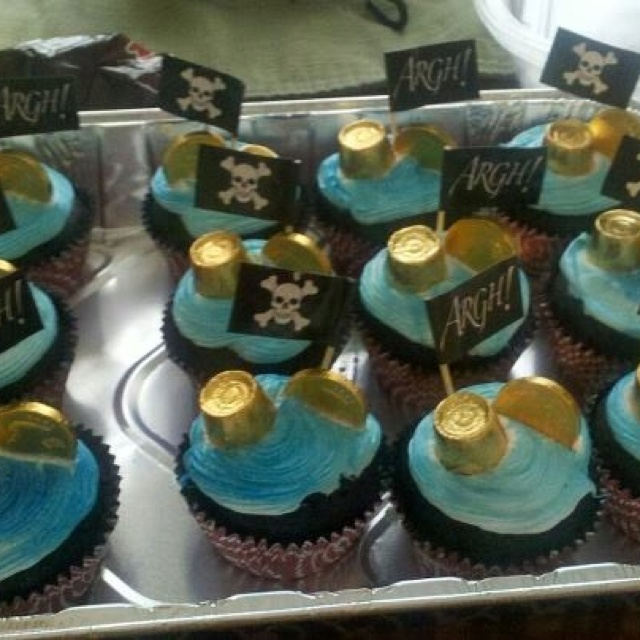 Pirate cupcakes for Jaden's birthday