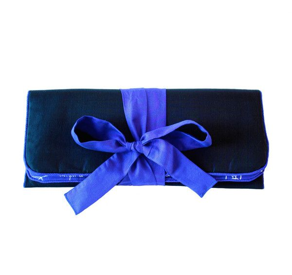 Keep your knickers organised when you travel with this hand-woven 100% pure silk lingerie case. Dual padded compartments allow you to separate bras