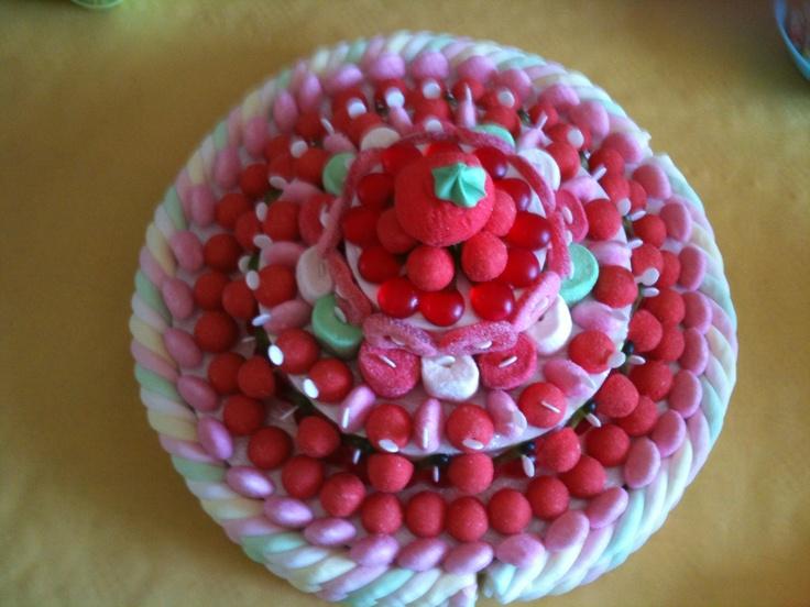 Pièce montée en bonbons
