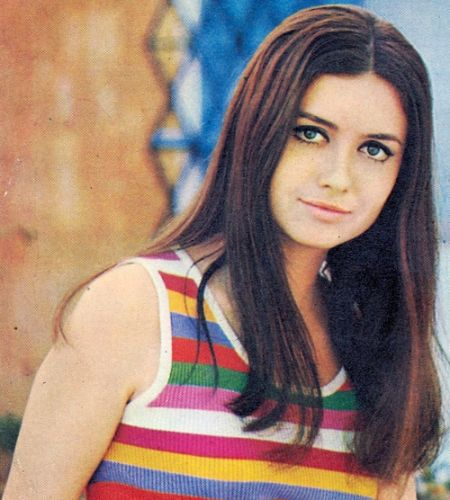 """Gigliola Cinquetti (December 20,l 1947) Italian singer, journalist and presenter, she won  the Eurovision Song Contest of 1964 with the song """"Non ho l'età""""."""