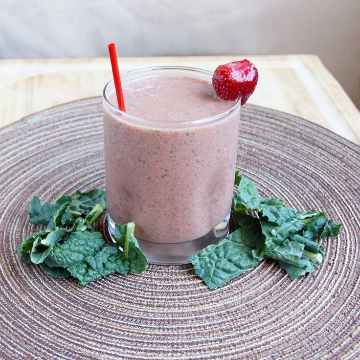 Kale Berry Smoothie Ingredients      1 cup orange juice     ½ cup plain yogurt     1 banana     ½ cup frozen organic strawberries     ¼ cup frozen organic raspberries     1 cup organic kale  Instructions      Rinse and strain kale.     Add all ingredients to the Magic Bullet cup and blend.  - See more at: http://magicbulletblog.com/category/recipes-2/page/3/#sthash.q8p0m61f.dpuf