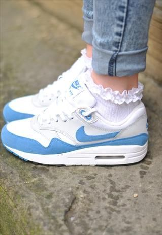 Wearing nike with frilly socks is perf ;) Especially with rolled up jeans..