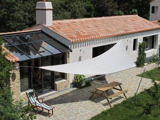 Noirmoutier-en-l'Île, Maison de vacances avec 1 chambres pour 4 personnes. Réservez la location 852248 avec Abritel. maison Noirmoutier bois de la Chaise