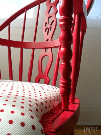 I just can't get enough red in my house. I try other colors and it always swings back to red. :)