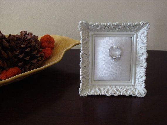 Ehering Inhaber Viereck notleidenden weißen Rahmen: Verlobungsring Halter, Brautdusche Geschenk, für sie, Ring-Stand