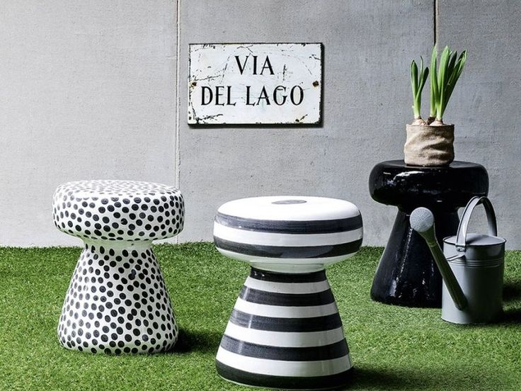 Inout 44 is the Small #table/#ottoman in ceramic for indoor or outdoor, design Paola #Navone. Available in black or white stripes or dots