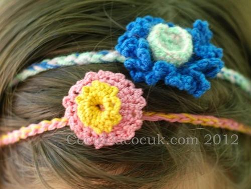 Çiçek saç bandı
