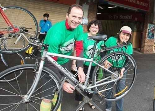 Fix a Flat with Back2Bikes Sunday 12 October 2014  Learn how to make your bike happy when it's feeling deflated...  Find out about our other #Ride2Work events - including the breakfast crawl - 15 October 2014