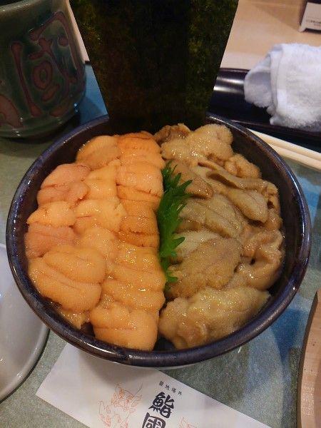 築地場外 鮨國のうに丼 築地の場外市場にある「鮨國」の、こぼれうに丼 ご飯の上に、これでもか!ってほどウニが乗…