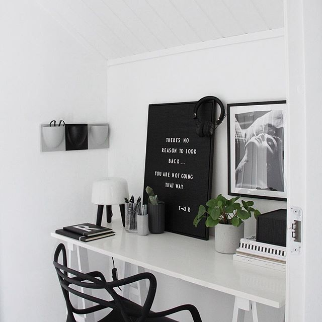 Minimalist Black And White Home Office Inspiration Home Office For The First Thing You Need To Consider The Home Office Design Home Office Decor Home Decor