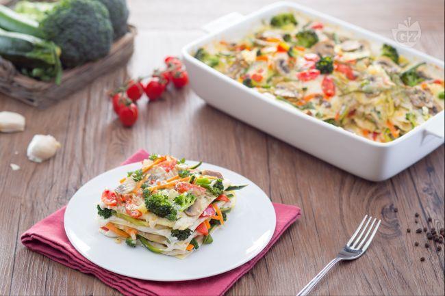 Le lasagne vegetariane sono un sostanzioso primo piatto ricco di verdure: una versione più leggera e colorata delle classiche lasagne!
