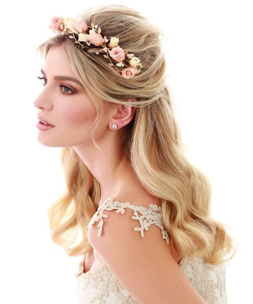 Long Hairstyles With Accessories New Hairstyle Trends