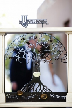 tree of life love - lock ceremony! very cool idea. I really wanna do this with us and the kids!!!!!!!