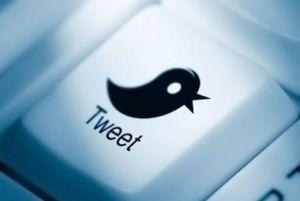 Dick Costolo, le CEO de Twitter, confirme l'accord conclu avec Google en vue de faciliter l'indexation des Tweets en temps réel.