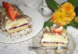 W Mojej Kuchni Lubię.. : torcik waniliowy z ananasem i truskawką...