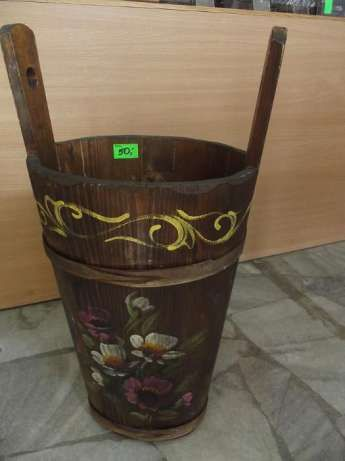 40 zł: Kanka kana drewniana,ręcznie malowana,może służyć jako parasolnik,donica,ozdoba na tarasie,balkonie. Wymiary wysokość 44cm,z uchwytami 58cm,szerokość góra 22x28cm,dół 19x14cm.  SKLEP CUDA ŚWIATA  ...