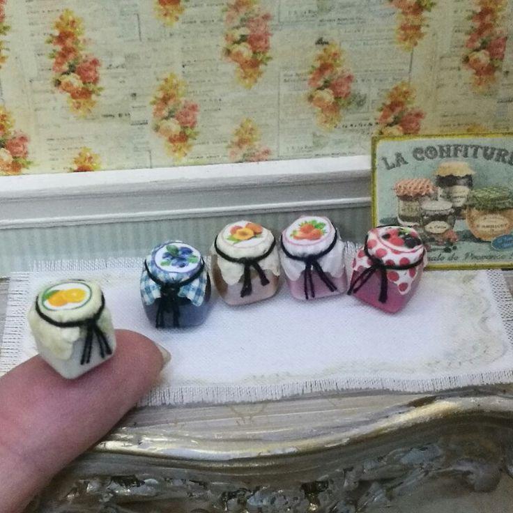 Delicius jam , 5 flavors for your dolls house. 5 deliciosos sabores de mermelada para tu casa de muñecas.