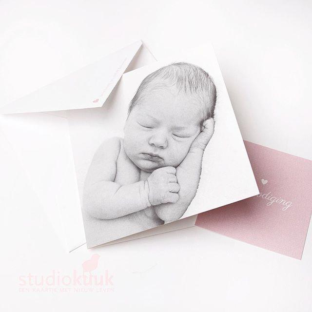 Altijd weer een feest als we zulke mooie fotokaartjes mogen maken#verliefd #geboortekaartje #birthannouncement #studiokuuk #angeliquelemmens