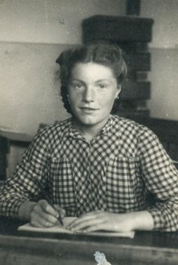 Elda Musiani in quinta elementare, scuola di Granarolo dell'Emilia, 1940