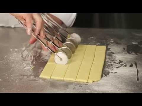 Biscotti di frolla di Iginio Massari - YouTube