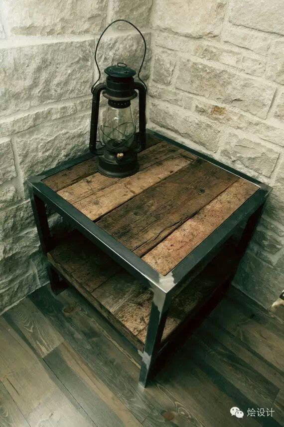 Wood & iron table ( ξύλινο & σιδερένιο τραπεζάκι)