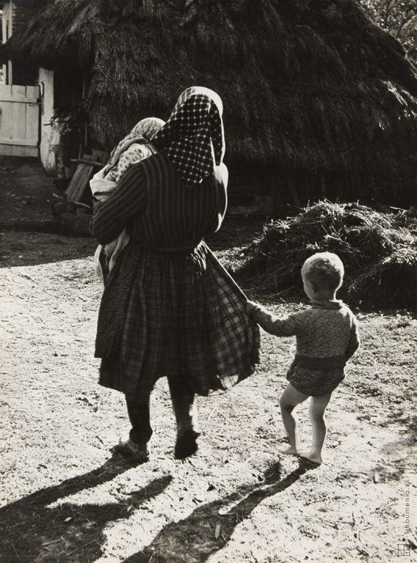 Štefan Tamáš: Pri matkinej sukni:1940