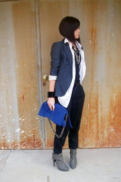 Blazer w/ Open White Collar Shirt