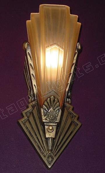 Wall Lamp Art Deco : Best 25+ Art deco lighting ideas on Pinterest Art deco chandelier, Art deco lamps and Art deco