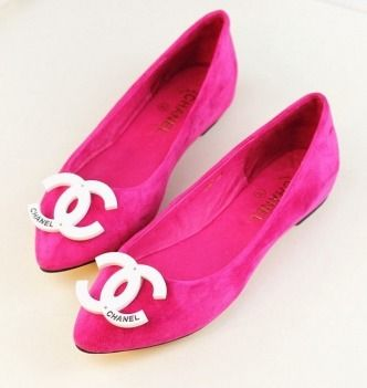 Haute Cat Shoe Says: #Pink Chanel Flats is the way to dress up any pair of jeans for summer! Meow!
