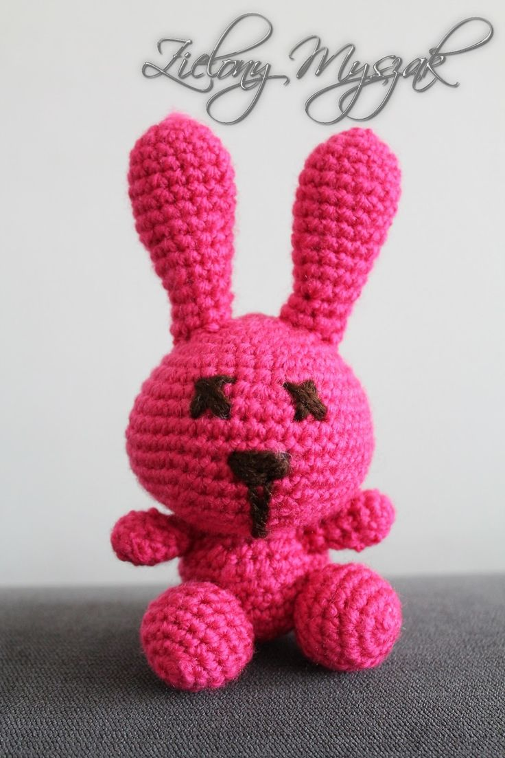 http://zielonymyszak.blogspot.com/2017/03/68-pierwszy-szydekowy-kroliczek.html?m=1  #crochet #bunny #pink #yarn #handmade #handcraft #plushies #polska #poland #madebyme