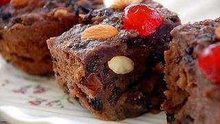 Bread and butter pudding (puddina) recipe : SBS Food