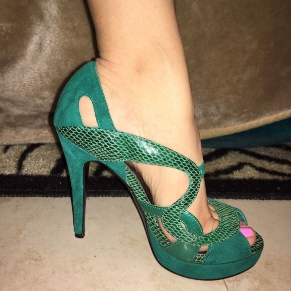 1000  ideas about Green High Heels on Pinterest | Badass women