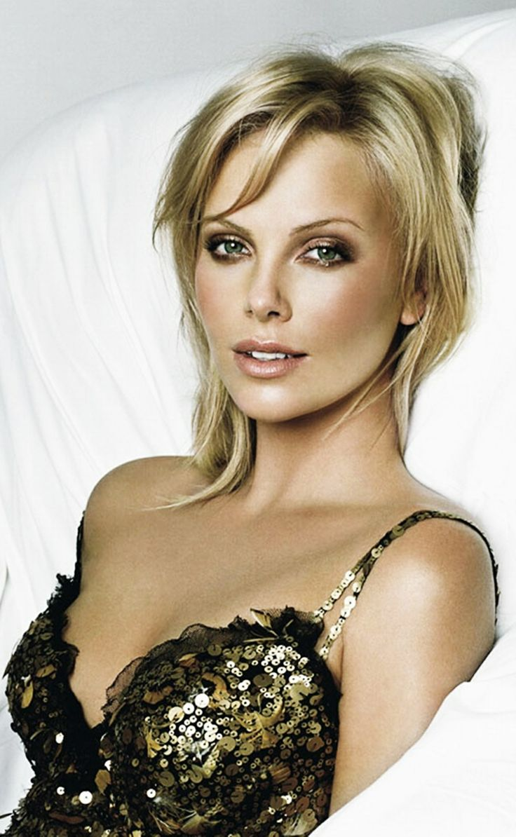 Great Makeup Tutorials To Make Your Eyes Look Bigger: Great Makeup/look (Charlize Theron)