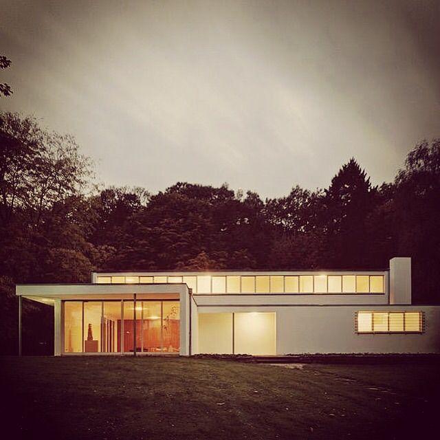 Villa Heusgen | Krefeld, Germany | Ludwig Mies van der Rohe | Bauhaus Movement Magazine