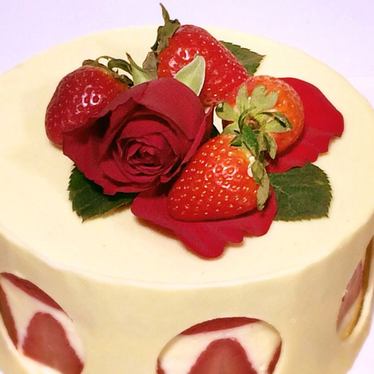 Jelly Strawberry Cake
