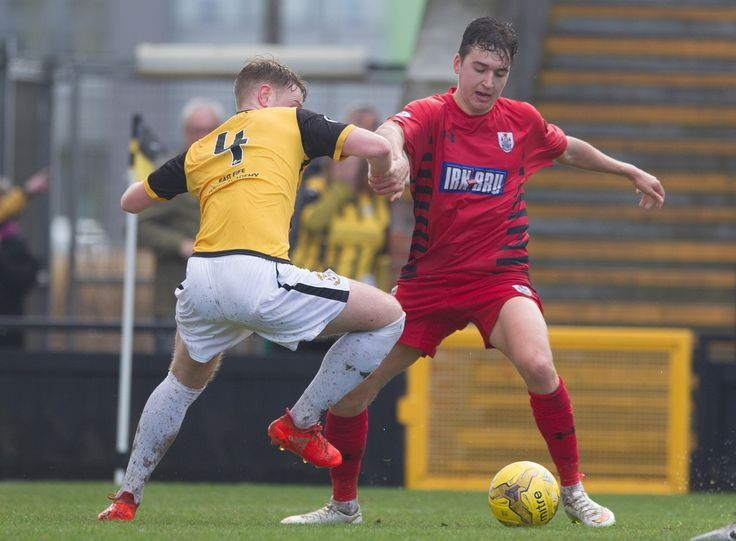 Queen's Park's Dario Zanatta in action during the Ladbrokes League One game between East Fife and Queen's Park.