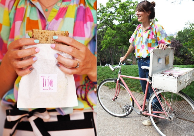 pink bicycles and delivery sandwiches. what a fab idea!