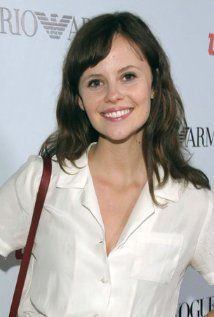 Sarah Ramos was born on May 21, 1991  in Los Angeles, California, USA - IMDb http://www.imdb.com/name/nm1186061/
